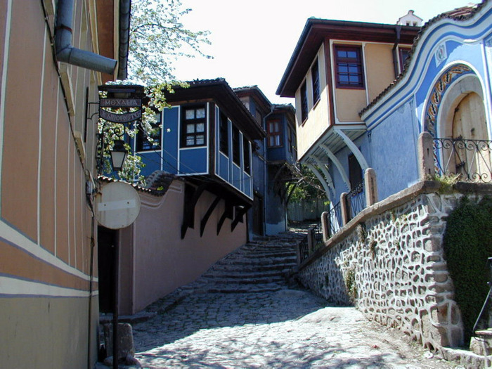 Plovdiv-Old_Town_Wallpaper_i1c5 (700x525, 162Kb)