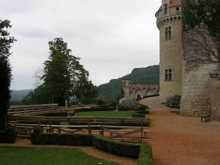 замок в Миланде (Chateau des Milandes). 22582