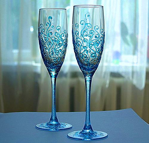Как красиво украсить бокалы на свадьбу своими руками