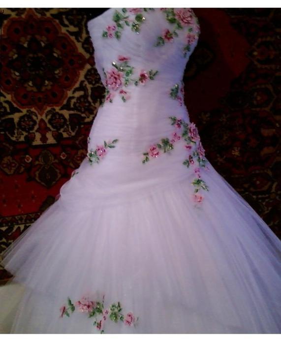 фото вышитых платьев.