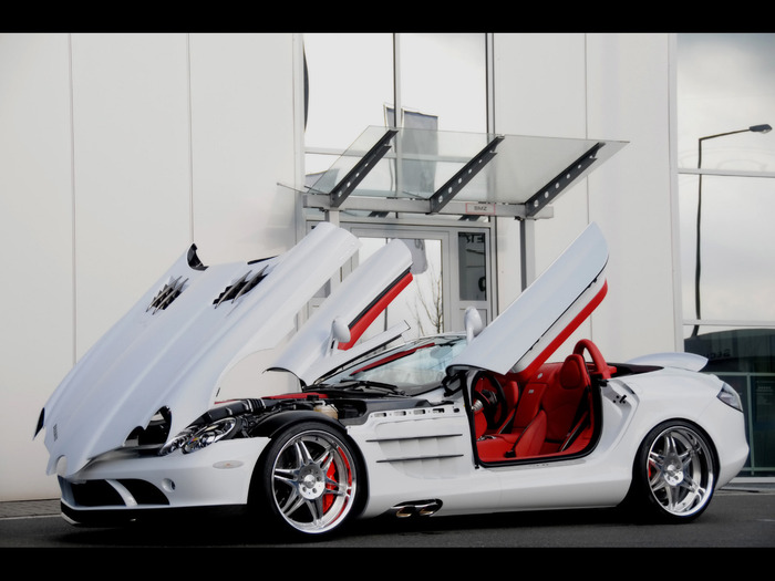 2008-Brabus-Mercedes-Benz-SLR-McLaren-Roadster-and-Brabus-smart-Ultimate-112-Tender-Package-SLR-McLaren-Side-Angle-Open-Doors-And-Hood-1920x1440 (700x525, 82Kb)