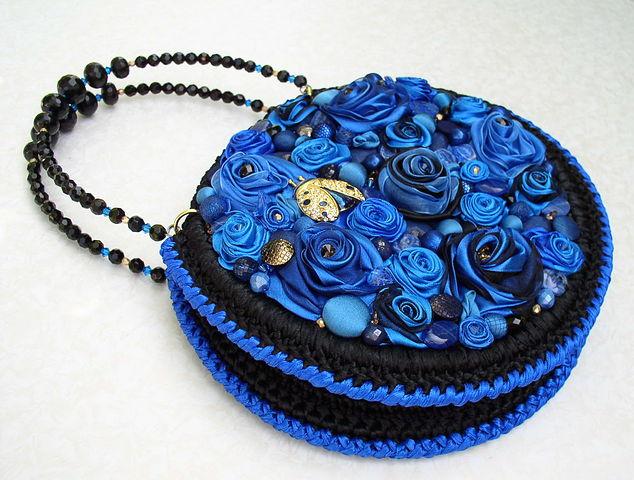 非常漂亮的用丝带钩的手包 - maomao - 我随心动