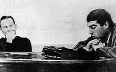 Довлатов читает свои рассказы в Ленинградском доме писателей, Яков Гордин 1967 (400x250, 15Kb)