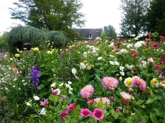 Сады поместья Эриньяк /Les Jardins du Manoir D'Eyrignac 35978