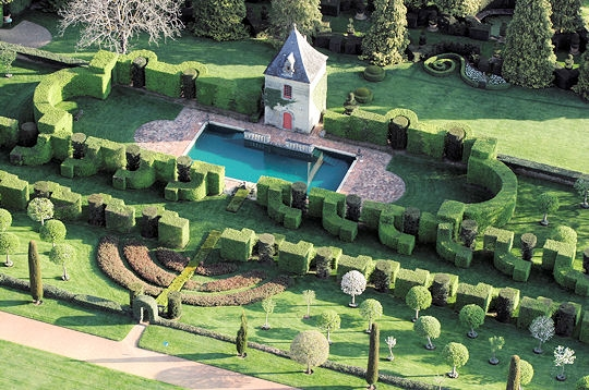 Сады поместья Эриньяк /Les Jardins du Manoir D'Eyrignac 85860