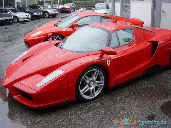 Ferrari-Ferrari-Enzo_685 (700x525, 114Kb)