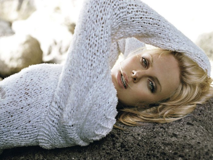 Charlize Theron (7) (700x525, 81Kb)