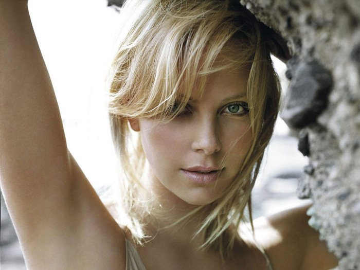 Charlize Theron (14) (700x525, 58Kb)