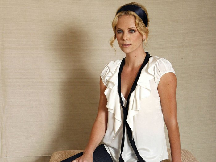 Charlize Theron (19) (700x525, 56Kb)