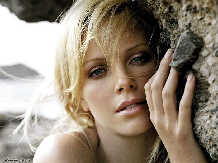 Charlize Theron (29) (700x525, 74Kb)