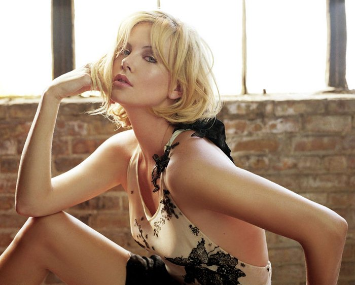 Charlize Theron (35) (700x562, 64Kb)
