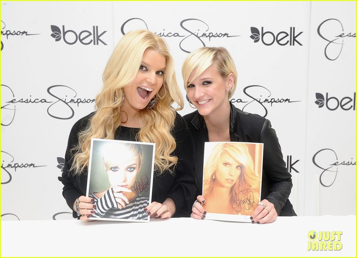 jessica-simpson-girls-fashion-collection-launch-with-ashlee-03 (700x504, 74Kb)