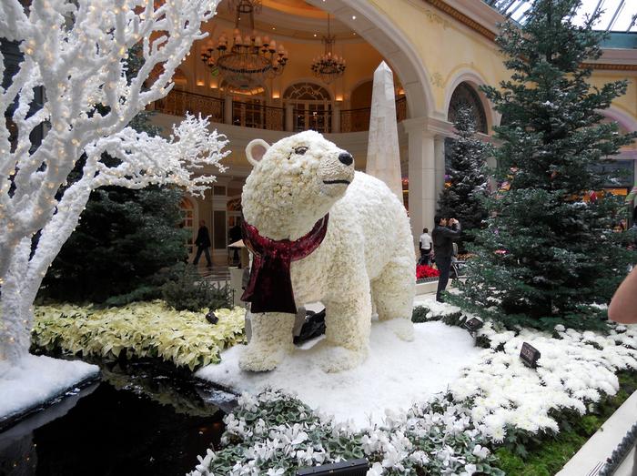 All sizes  Bellagio Atrium Garden  Flickr - Photo Sharing! (700x523, 963Kb)
