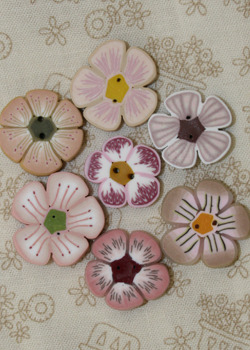 3073627_pink_flower_buttons (250x350, 43Kb)
