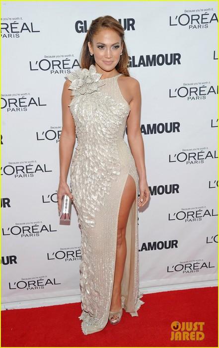 jennifer-lopez-glamour-women-awards-08 (441x700, 84Kb)