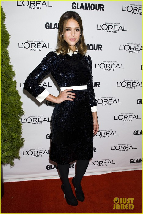 jessica-alba-glamour-awards-01 (468x700, 93Kb)