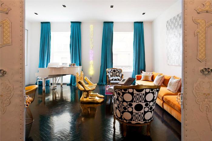 Luxurious shower curtains