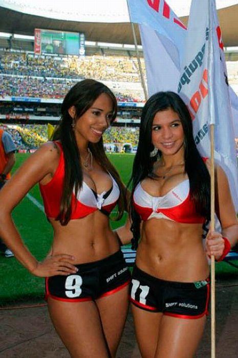 Мексиканские девушки 41 (465x700, 78Kb)