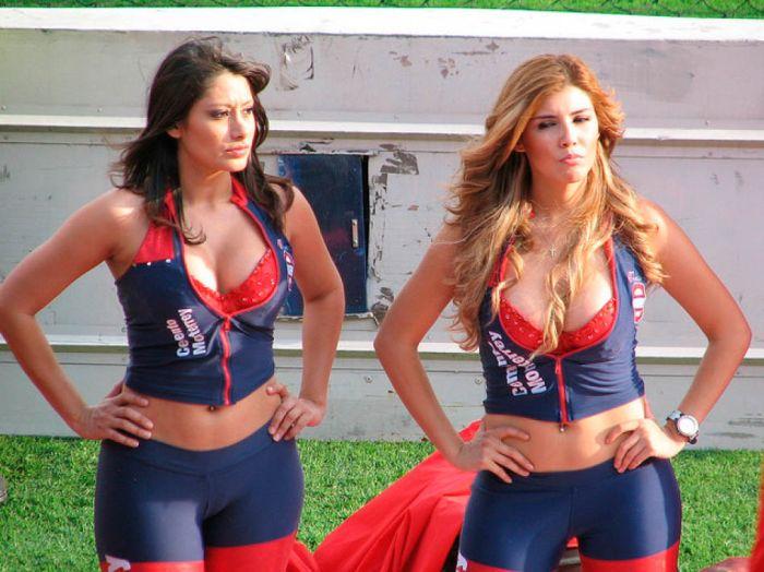 Мексиканские девушки 59 (700x524, 88Kb)