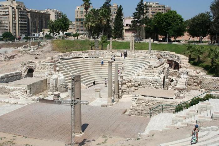 800px-Амфитеатр_в_Александрии,_Египет (700x466, 169Kb)