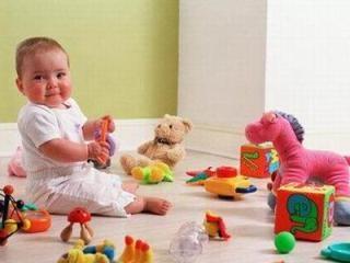 игры с ребенком (320x240, 37Kb)