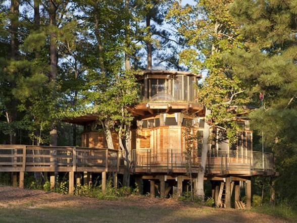 Современное строительство деревянных домов из бруса Двухэтажный деревянный дом