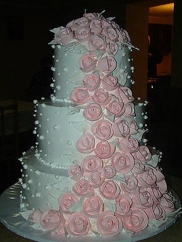 Как украсить свадебный торт своими руками