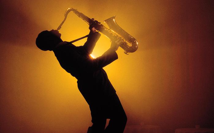 183796_saksofonist_-saksofon_-truba_1920x1200_(www_GdeFon_ru) (500x337, 115Kb)