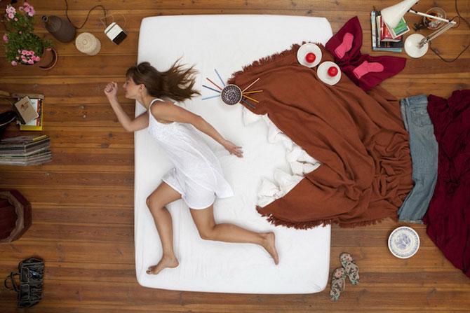 девушка на кровати/4348076_1 (670x447, 66Kb)
