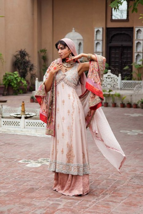 Different-Styles-Shalwar-Kameez-for-Eid3-e1311061097930 (466x700, 85Kb)