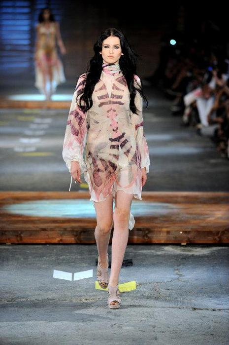 Just-Cavalli-Spring-Summer-2012-Collection-DesignSceneNet-04 - копия (465x700, 48Kb)