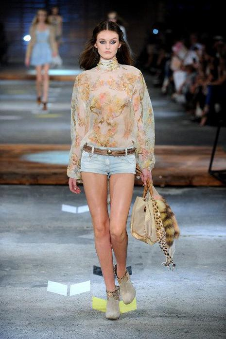 Just-Cavalli-Spring-Summer-2012-Collection-DesignSceneNet-15 (465x700, 48Kb)