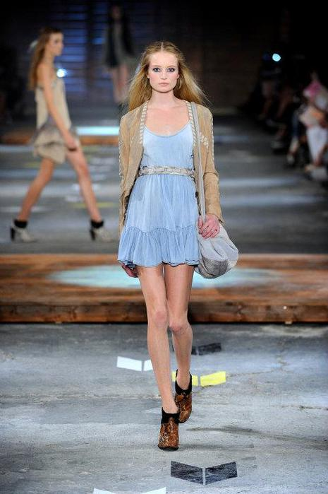 Just-Cavalli-Spring-Summer-2012-Collection-DesignSceneNet-17 (465x700, 45Kb)