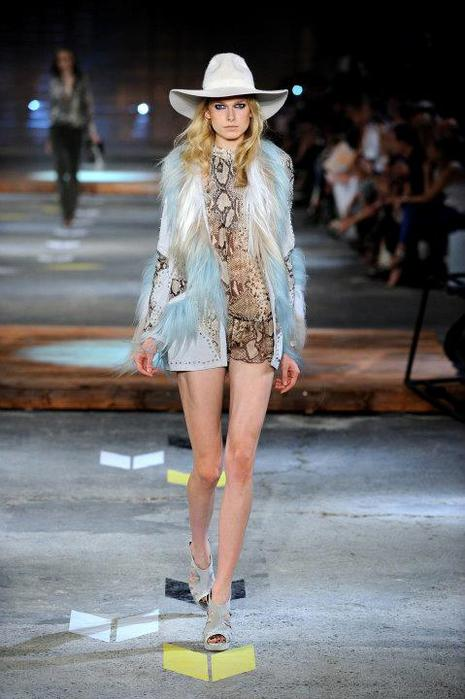 Just-Cavalli-Spring-Summer-2012-Collection-DesignSceneNet-19 (465x700, 48Kb)