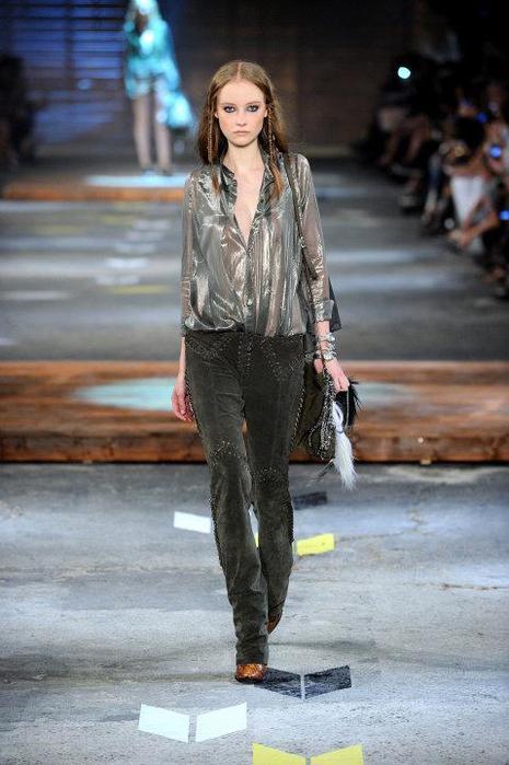 Just-Cavalli-Spring-Summer-2012-Collection-DesignSceneNet-21 (465x700, 49Kb)