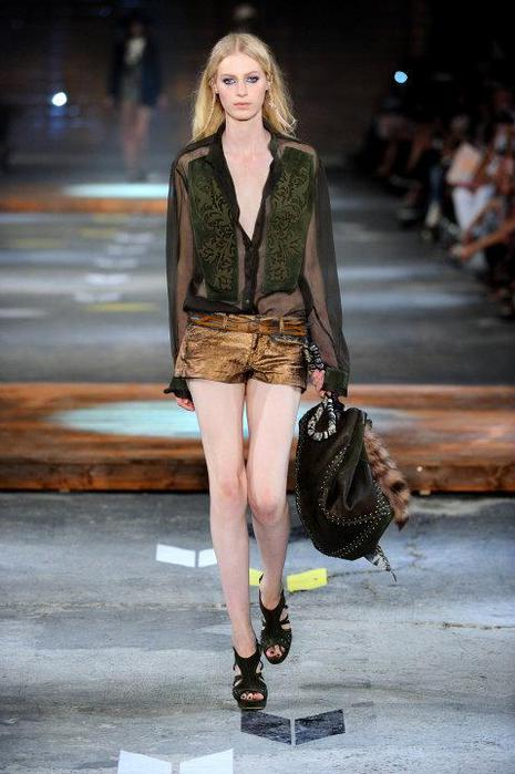Just-Cavalli-Spring-Summer-2012-Collection-DesignSceneNet-23 (465x700, 48Kb)