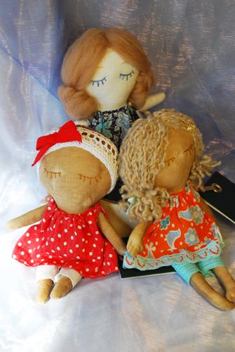 три куклы (335x500, 198Kb)