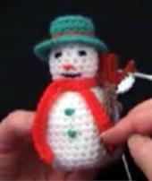 снеговик крючком/4170780_Crochetsnowman (170x202, 51Kb)