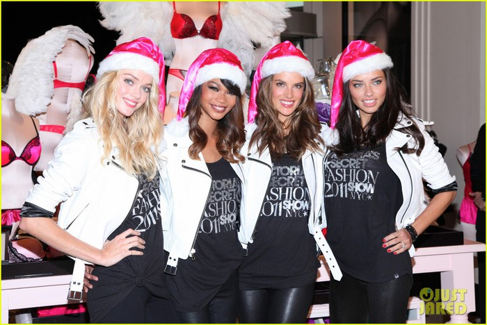 victorias-secret-christmas-01 (700x468, 101Kb)