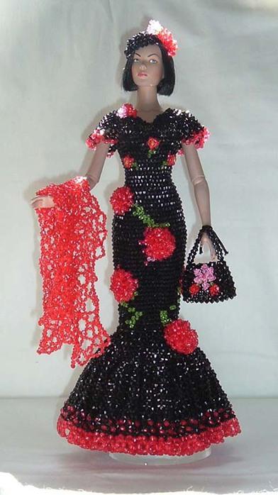 Платье из бисера для куклы