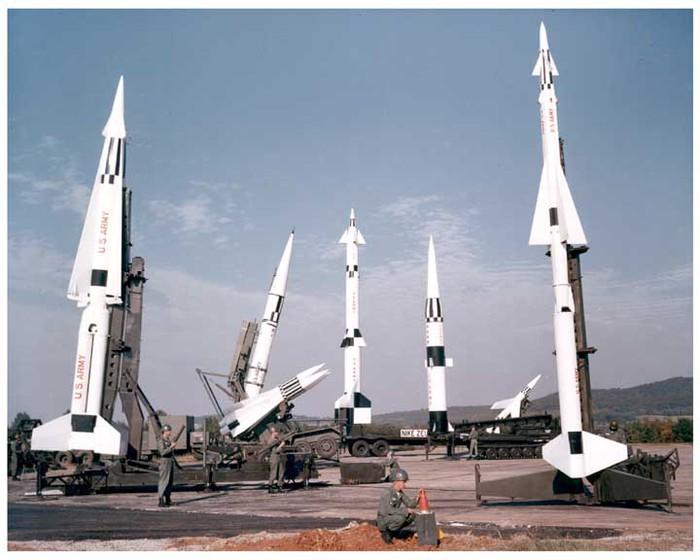 MISSILE (700x560, 76Kb)