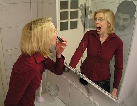 Ужасы в зеркале (464x361, 69Kb)