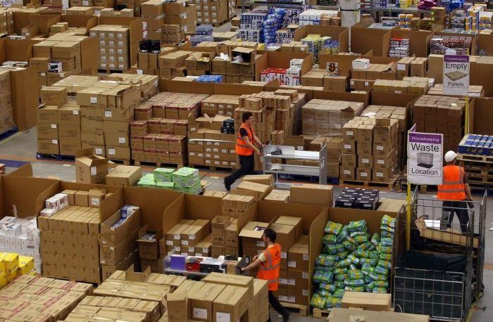 На складе интернет-магазина Amazon.com 08 (700x458, 81Kb)