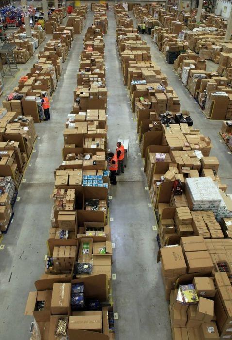 На складе интернет-магазина Amazon.com 09 (478x700, 77Kb)