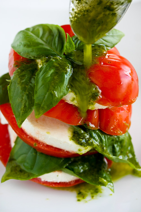 caprese-salad-basil-vinaigrette-107 (466x700, 130Kb)