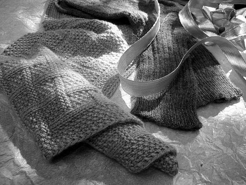 Вязание спицами шарф палантин. шапка мужская вязаная.