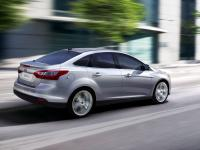 ford-focus-2011-wallpaper-6 (200x150, 6Kb)