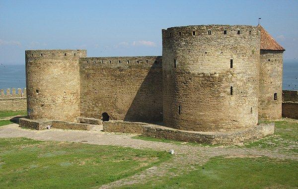Замки, крепости и дворцы Украины 8-2 (600x381, 71Kb)