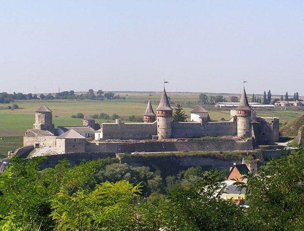 Замки, крепости и дворцы Украины 10-2 (600x456, 69Kb)