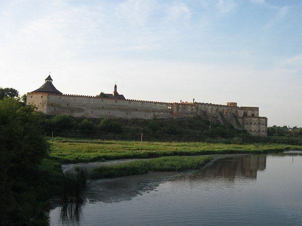 Замки, крепости и дворцы Украины 12-1 (600x450, 37Kb)